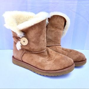Ugg Boots size 7 brown lamb brown suede boots